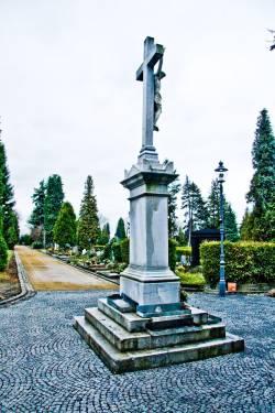Zpevnění ploch hřbitova